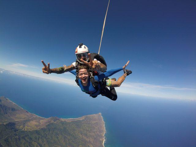 A emoção de saltar de paraquedas em North Shore (Oahu, Hawaii)
