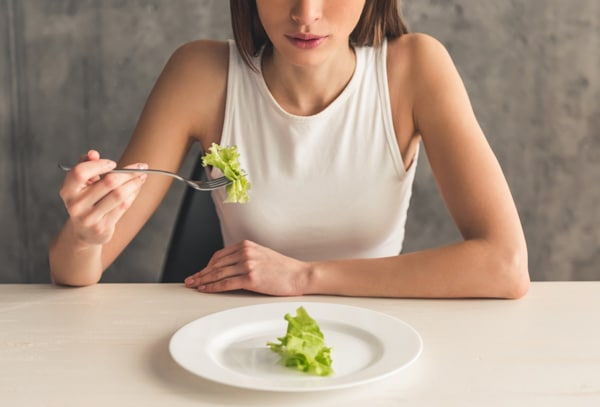 8 Signs That You're Not Eating Enough