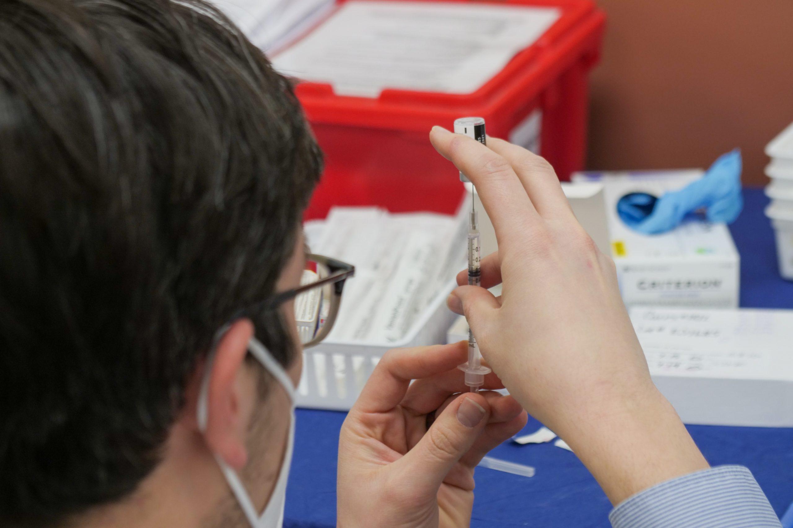 MUI: Vaksin Covid-19 Tidak Membatalkan Puasa