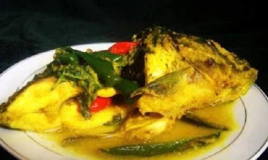 Bulan puasa akan segera tiba beberapa hari lagi. Bagi Kalian yang bingung menu buka puasa, berikut ini adalah resep ikan nila bumbu kuning yang bisa disajikan untuk keluarga.