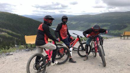 Downhill mountain-biking in Åre - Misha, Sarunas and me