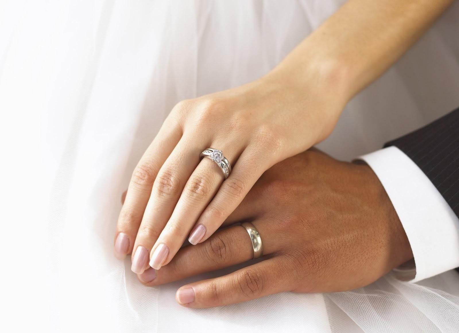 Vendre Une Bague De Mariage Après Un Divorce Puis Je Porter