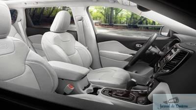 Fiat Chrysler cheama la fabrica 5 milioane de masini din cauza unor probleme la software