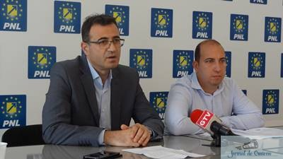Laurentiu Ivanovici si Doru Caplea, au sustinut astazi la sediul PNL DOLJ o conferinta de presa.