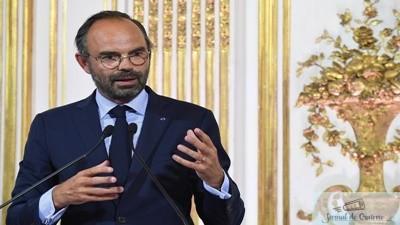 Dupa protestele masive,guvernul francez suspenda cresterea taxelor la carburanti 1