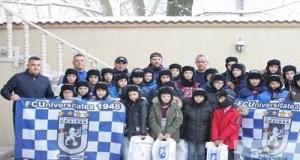 Fotbal : Mos Craciun a ajuns si la juniorii echipei Universitatea Craiova 16