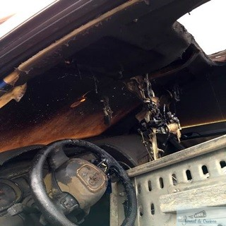 Un tanar din Melinesti si-a  gasit masina incendiata 1
