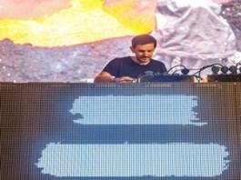 Cunoscutul DJ Burak Yeter vine la The Artist Awards! Pe 11 octombrie, in Piata Mihai Viteazu din Craiova!