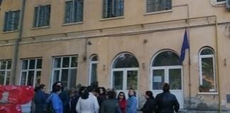 Zeci de cadre medicale au protestat in fata Spitalului Filantropia din Craiova