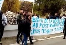 Protest spontan al elevilor de la Liceul Stefan Odobleja