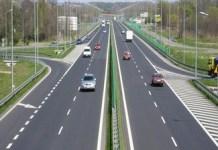 CNAIR prezintă imagini cu lucrările la drumul expres Craiova - Piteşti.
