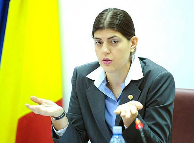 Cinism judiciar. Kovesi e şefă cu executarea, dar e în proces cu Antena 3