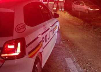 O șoferiță în vârstă de 33 de ani s-a răsturnat cu mașina la Moșoaia 9
