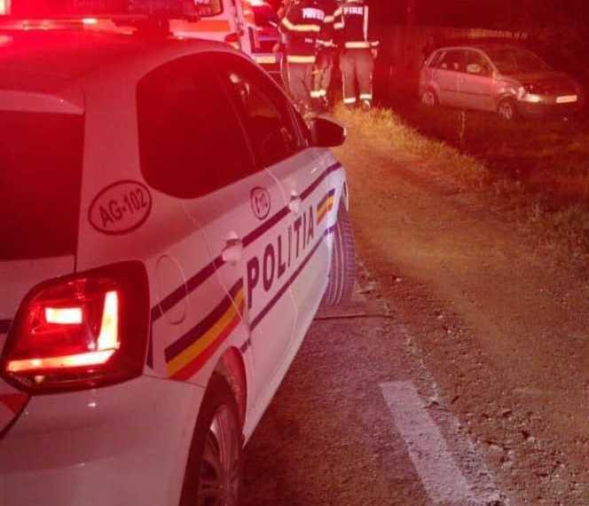 O șoferiță în vârstă de 33 de ani s-a răsturnat cu mașina la Moșoaia 2