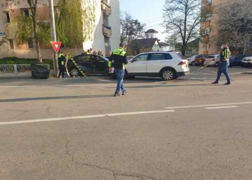 Accident cu trei victime și o persoană încarcerată, în zona Nord a Piteștiului 1