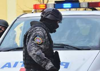 Dosar penal pentru doi bătăuși din cartierul Trivale 8