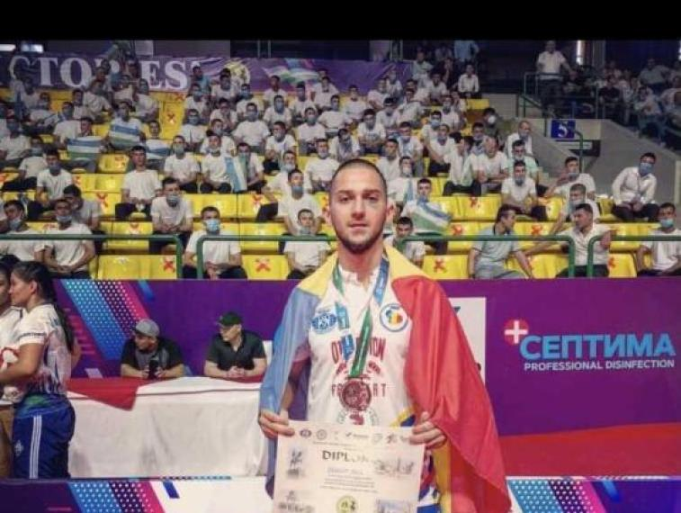 Penitenciarul Mioveni reprezentat cu onoare la Campionatul Mondial de Hand to Hand Fighting în UZBEKISTAN 1