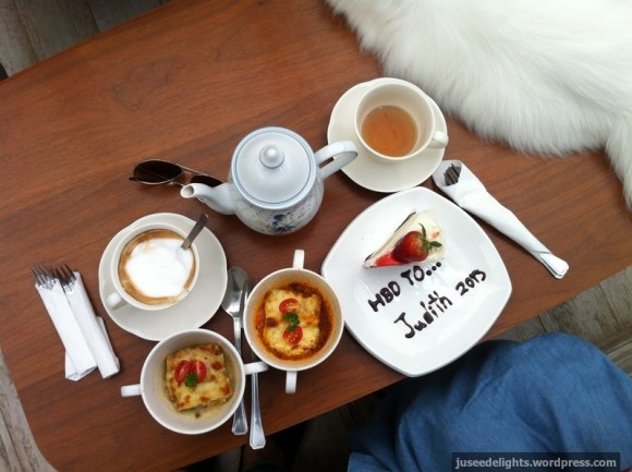 What Samantha has prepared for me; Purr Cat Café Club, Bangkok