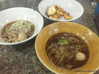 Thai Noodles with Meatballs, Deep-fried Pork Skin; Best Boat Noodles, Bangkok