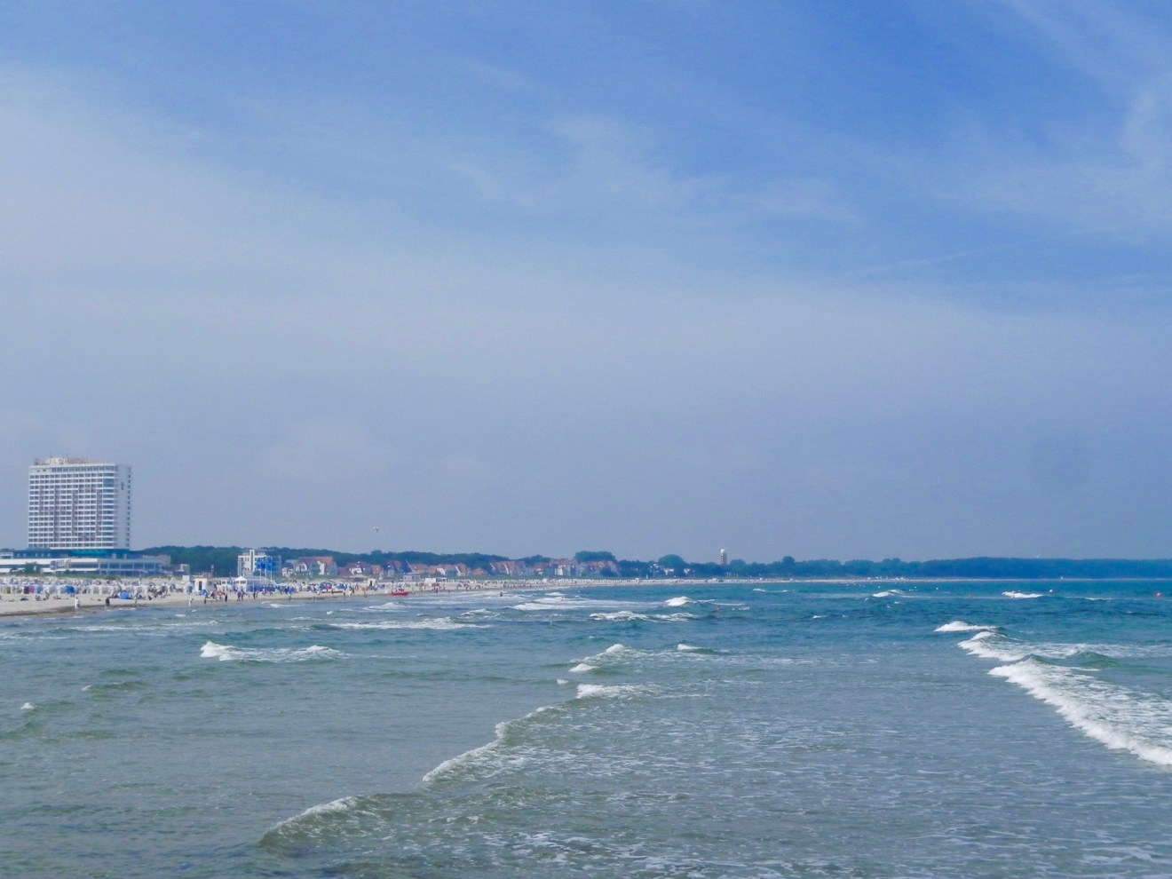 Warnmünde Ostsee Urlaubstipps Strand Wellen
