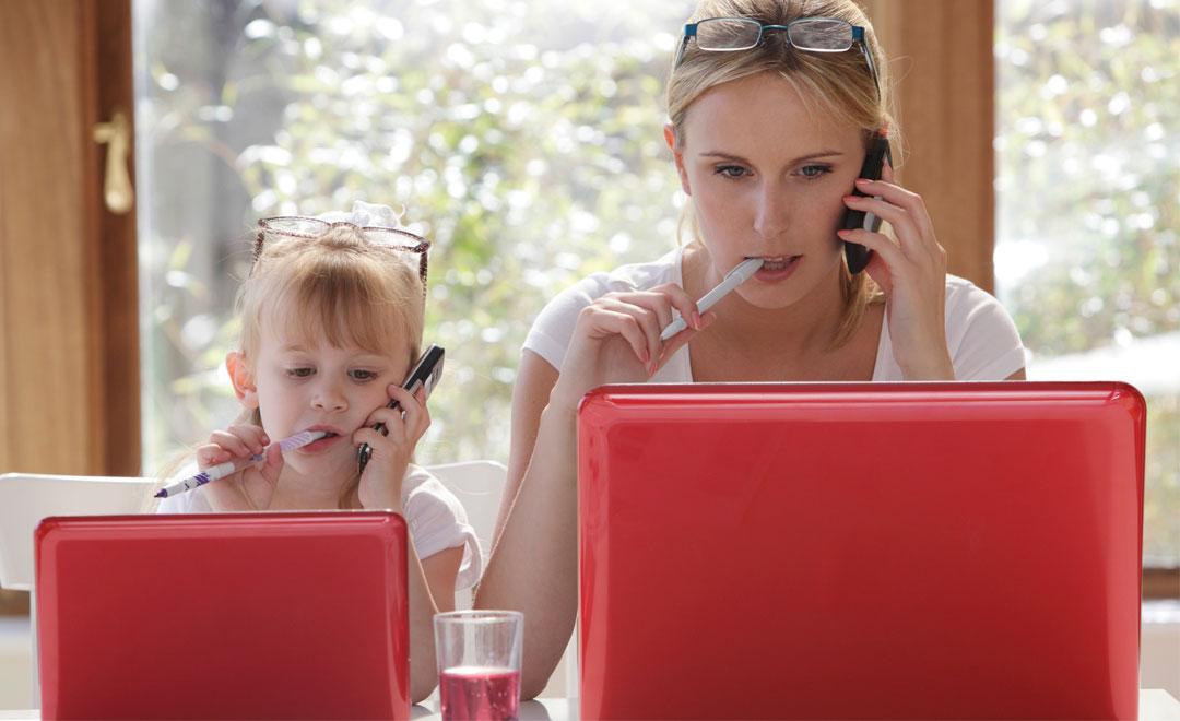 Risultati immagini per donna lavoro e famiglia