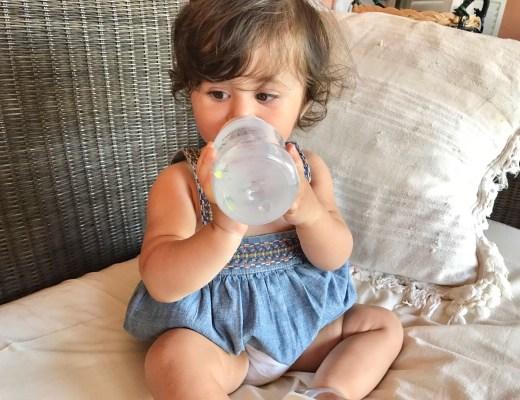 recensione-biberon-anticolica-avent-mammeblogger-just4mom