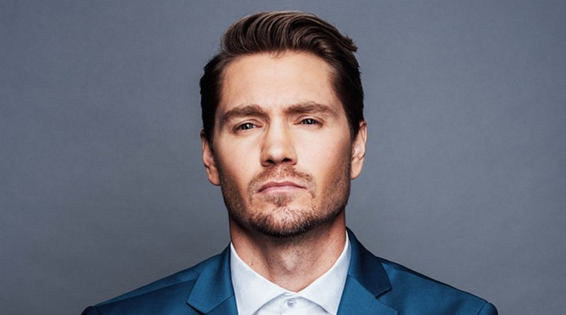 Chad Michael Murray invité à la 1,2,3 Ravens d'Empire Conventions