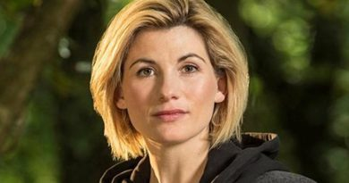 Jodie Whittaker devient le premier Docteur a avoir une poupée Barbie à son effigie