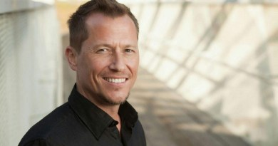 Corin Nemec (Parker Lewis, Stargate SG-1) publie son premier roman et nous en parle en détails