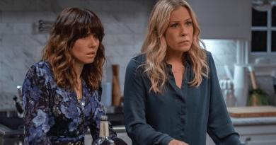 Netflix renouvelle Dead To Me pour une troisième et dernière saison