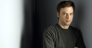 Kidding : Justin Kirk (Weeds) rejoint la comédie de Jim Carrey