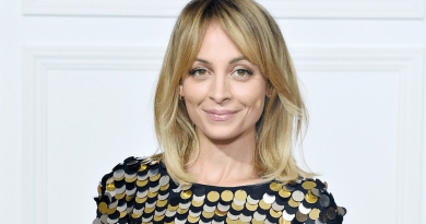 La série Richard Lovely se paye Nicole Richie