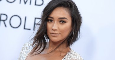 Shay Mitchell (Pretty Little Liars, You) à l'affiche d'une nouvelle série pour Hulu