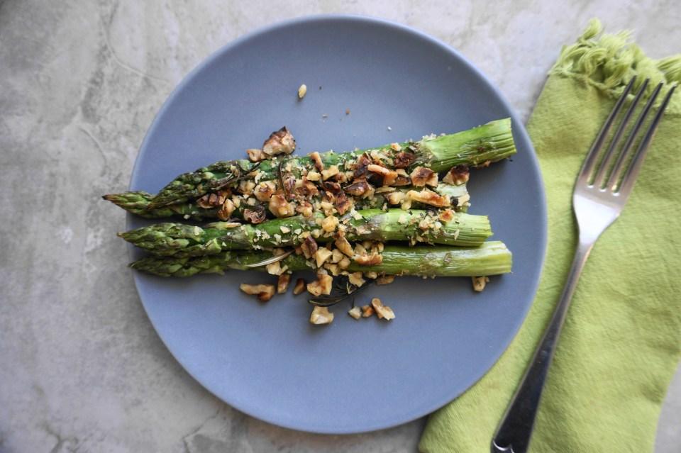 Asparagus grey plate 1