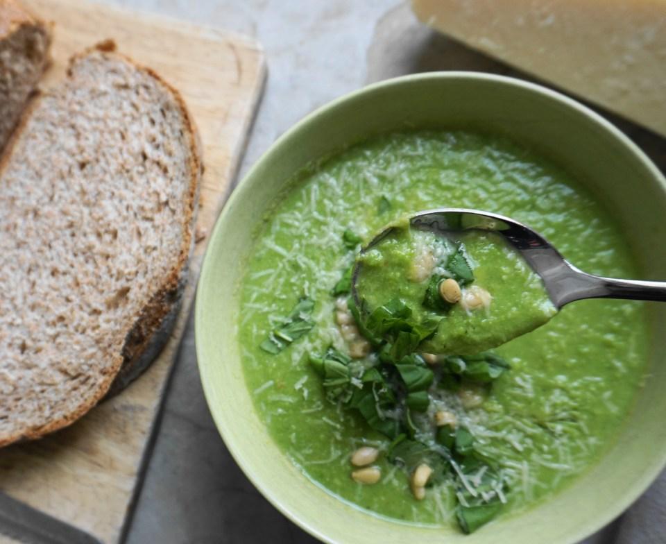 Speedy pea soup bite 1