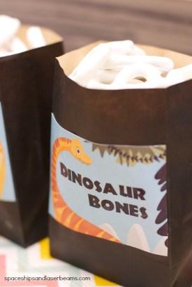 dinosaur-party-food.jpg