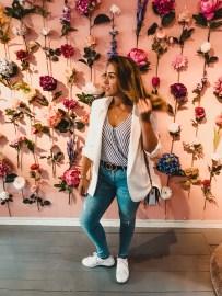 Bloemenwand in de winkel