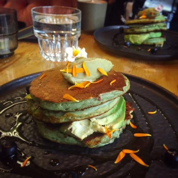 Vegan matcha pancakes the avocado show Amsterdam