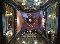 palau_guell_palace_interior_ceilng