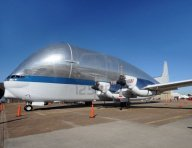 giant-transport-airplane-for-large-size-cargo