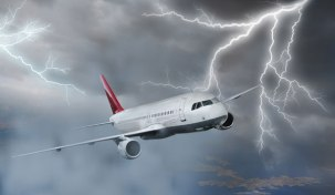 Strangest-Planes-Pictures-From-Around-The-World-plane-lightning