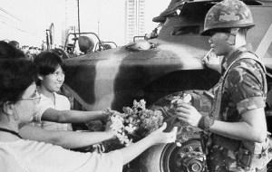 EDSA 1: Guns silenced by roses. (Google photos)