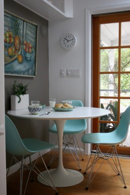 Tulip table and Eames molded plastic chairs