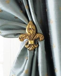 fleur de lis drape holder