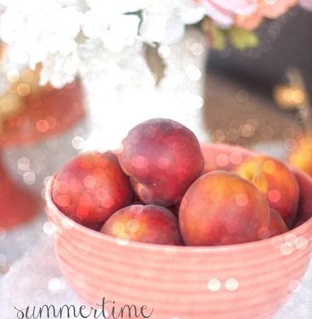 Summer Outdoor Entertaining: Peach Party