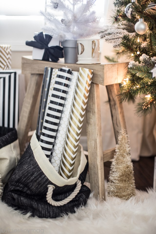 Easy Handmade Black and White Christmas Decor-4