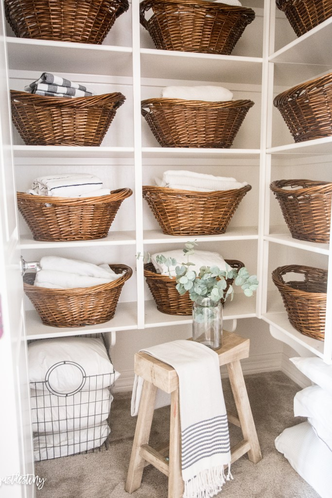 linen-closet-organization-by-just-destiny-mag_-7