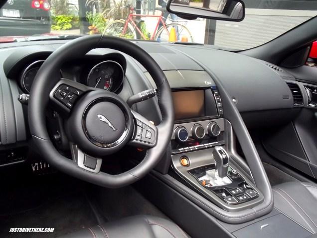 Jaguar F-Type V8S interior
