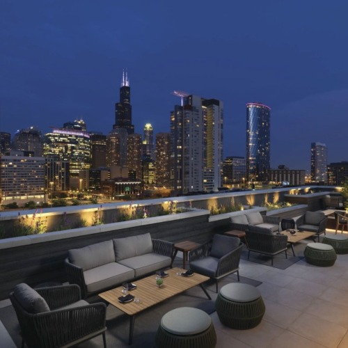 Tanta rooftop restaurant view of city skyline