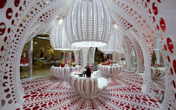 Louis Vuitton's Kusama Pop-Up at Selfridges: lots of dots